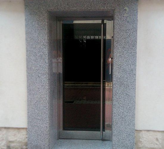 Puertas portal acero inoxidable gallery of puerta y for Puertas de acero inoxidable