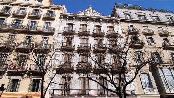 puerta hierro barcelona